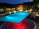 Realizzazione illuminazione notturna di una piscina.