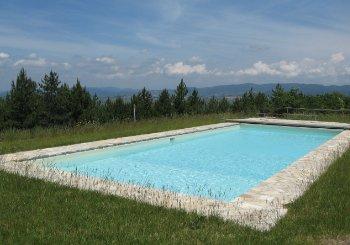 Creazione piscine interrate da esterno in muratura.
