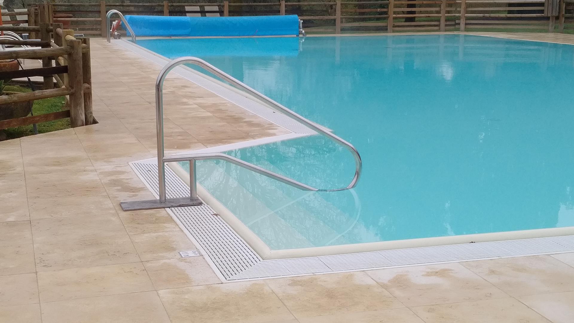 maniglioni-per-piscine-2