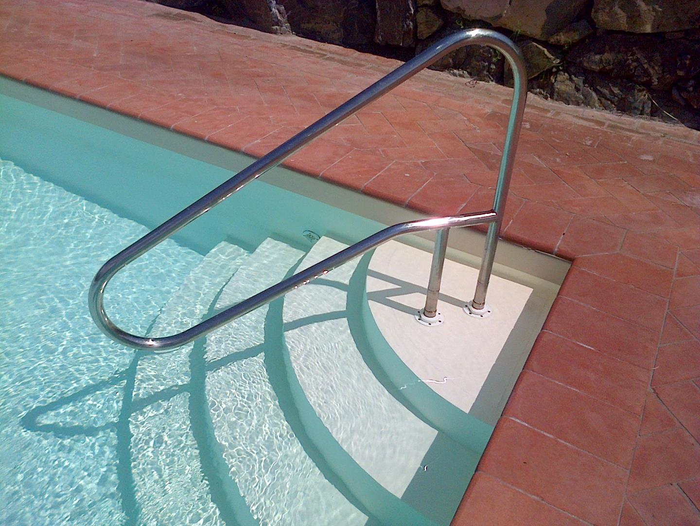 maniglioni-per-piscine-7