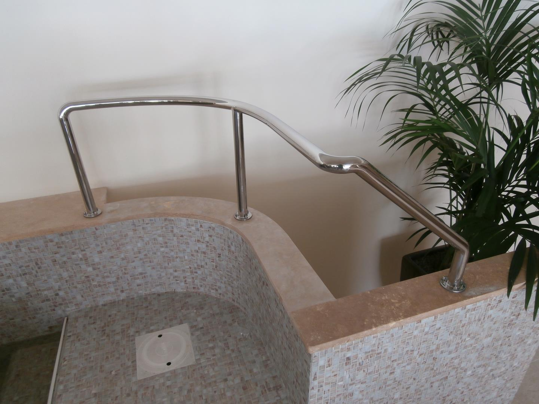 maniglioni-per-piscine-9