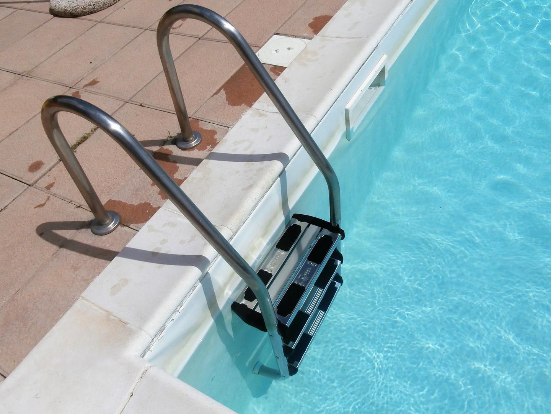 scale-per-piscine-11