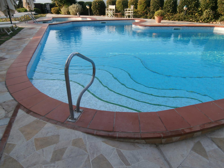 scale-per-piscine-13