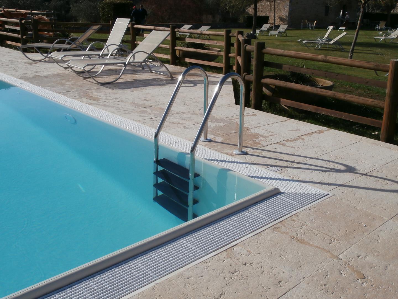 scale-per-piscine-16